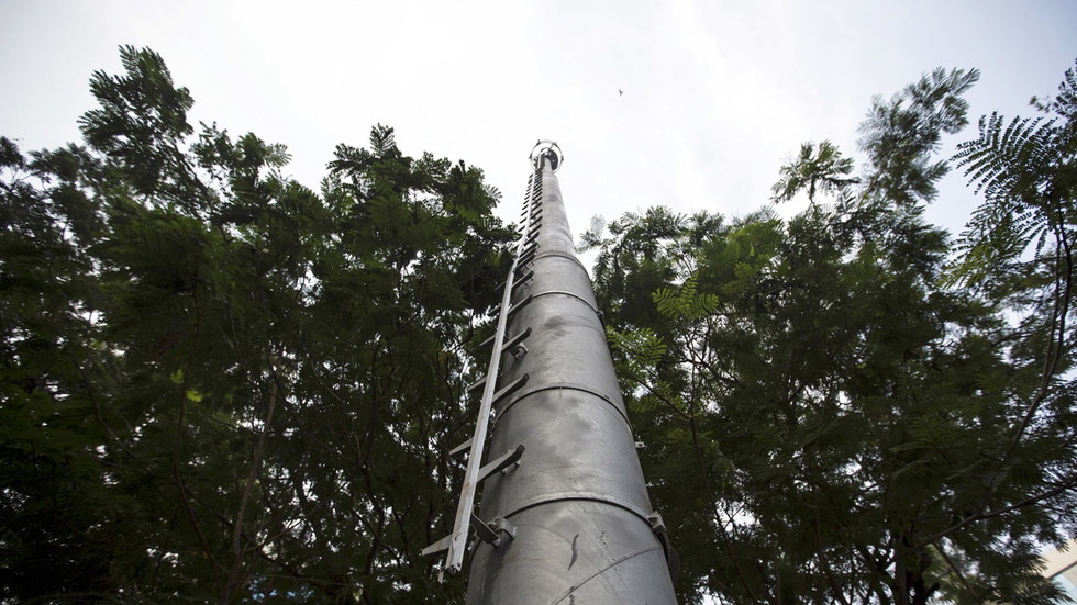 parents-blame-elementary-schools-cell-tower-after-4th-student-gets-cancer