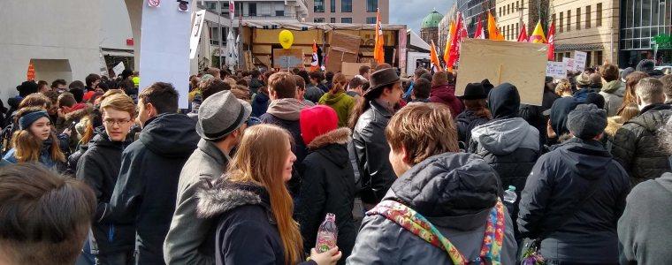 tausende-demonstrieren-in-nurnberg-und-bremen-gegen-uploadfilter