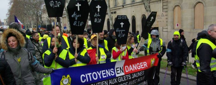 yellow-vest-movement-not-yet-changing-its-color-to-green
