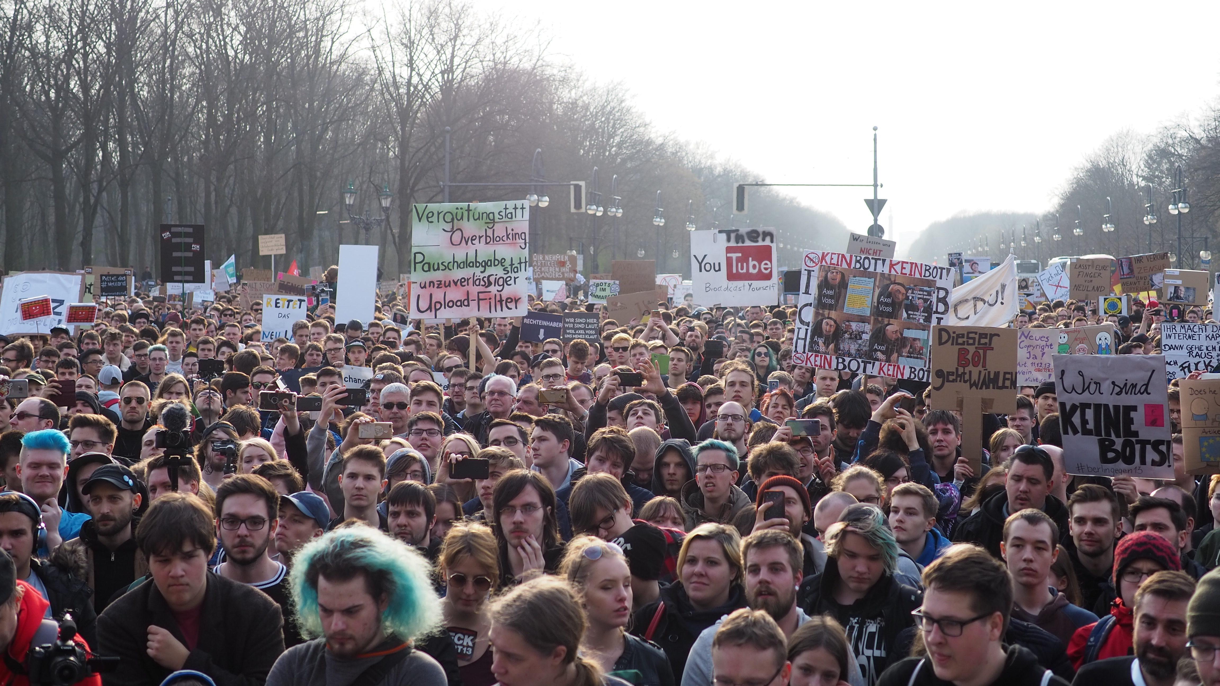 8220gekaufte-demonstranten8221-die-strategie-der-autoritaren-zur-diskreditierung-von-protest