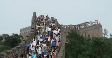 onfatsoenlijke-toerist-groeit-uit-tot-wereldwijd-probleem