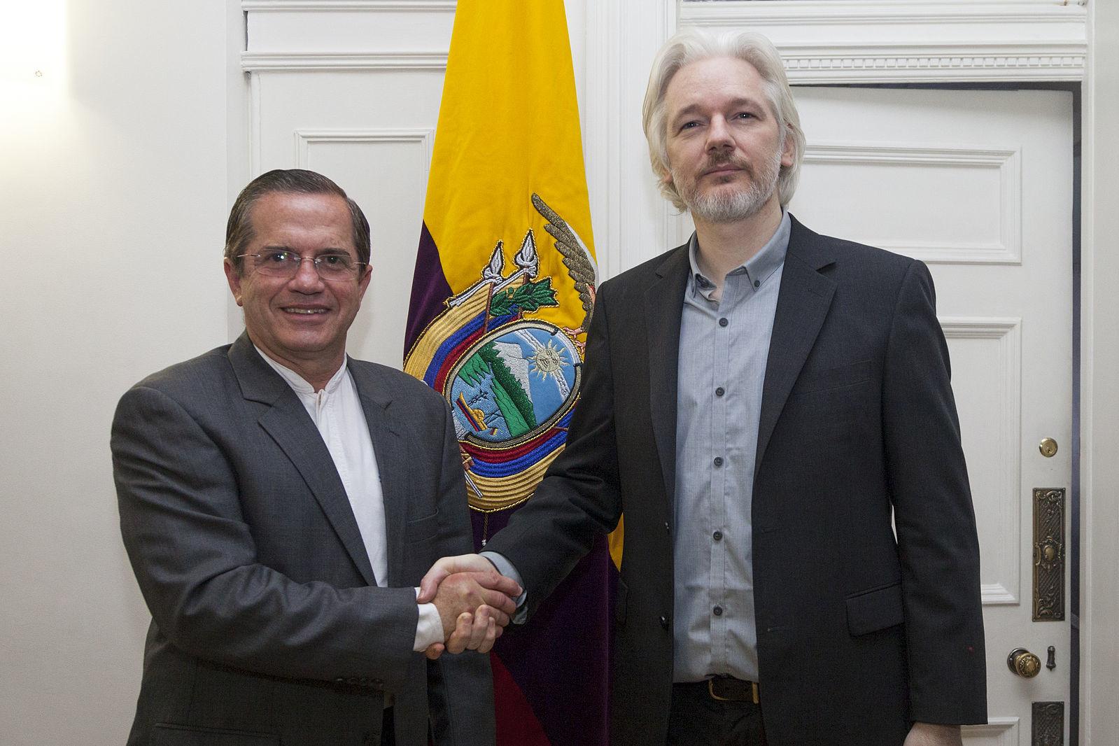 ecuador-undurchsichtiges-spiel-gegen-assange-wikileaks-und-vorgangerregierung