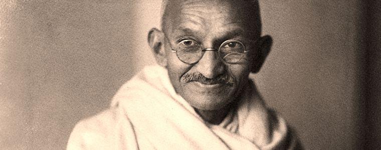 albert-einstein-fragte-mahatma-gandhi-nach-der-bedeutung-von-namaste