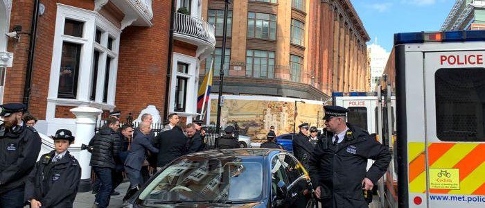 ex-diplomat-widerlegt-meldungen-uber-exzesse-assanges-in-ecuadorianischer-botschaft