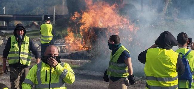 yellow-vests-ignore-macron8217s-8216olive-branch8217-as-protests-resume-across-france
