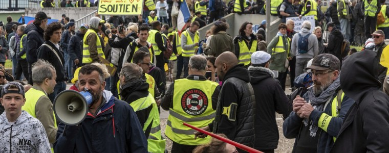 france-needs-e17bn-to-meet-yellow-vests'-demands-–-finance-minister-le-maire