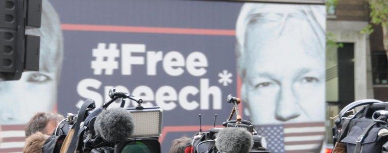 enthullt:-der-krieg-der-britischen-regierung-gegen-assange-und-die-pressefreiheit