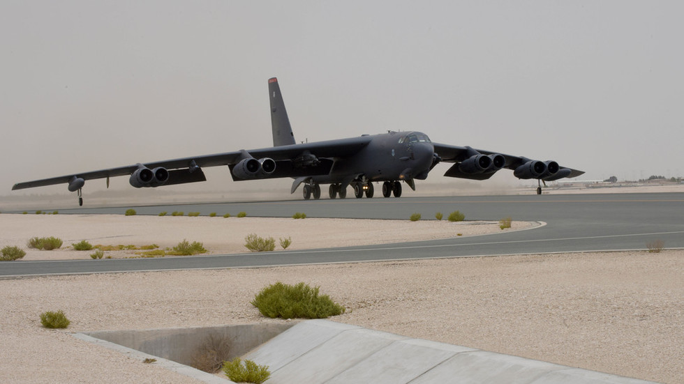 american-b-52s-fly-first-mission-over-persian-gulf-to-'send-message'-to-iran-(photos)