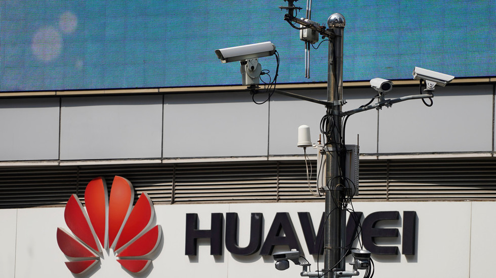 all-snooping-is-bad-but-some-is-worse:-why-is-huawei-a-worry-if-it's-whatsapp-&-israel-who-messed-up
