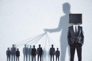 """cultural-schizophrenia"":-us-media-no-longer-reports-facts,-but-appeals-to-emotions"