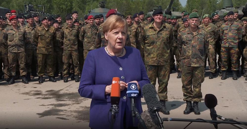 """will-merkel-deutsche-panzer-zur-""""friedensarbeit""""-in-die-ukraine-schicken?"""