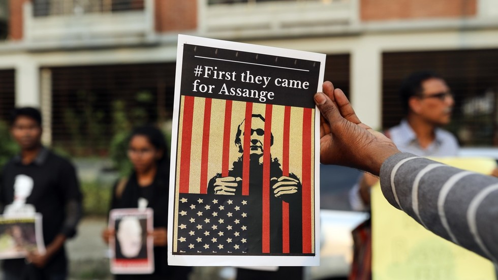 assange-may-spend-the-rest-of-his-life-in-jail,-he's-got-a-'hanging-judge'-–-cia-whistleblower
