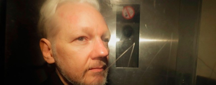 assange-is-reportedly-gravely-ill,-and-hardly-anyone's-talking-about-it