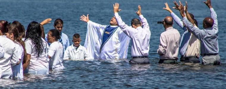 bibel,-mammon-&-regime-change-–-der-evangelikale-feldzug-in-lateinamerika-–-teil-1:-das-fusvolk-und-die-milliardare