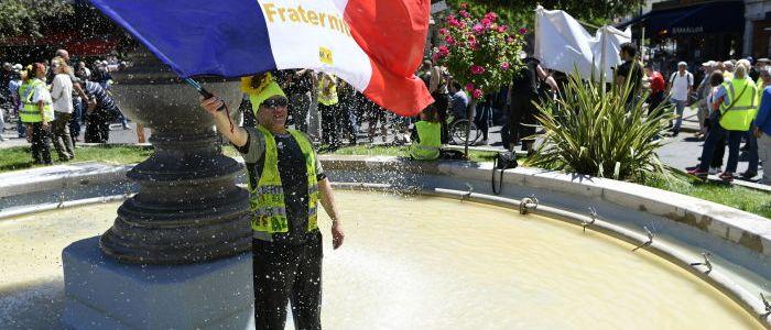 """35.-woche-in-folge:-""""gelbwesten""""-demo-in-paris"""