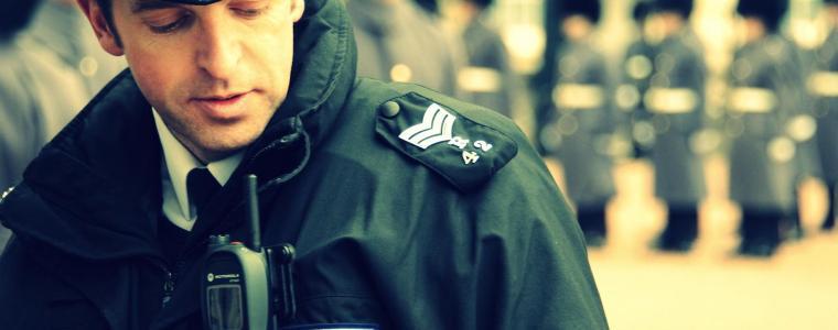 handyauslesung:-britische-polizei-behandelt-opfer-wie-verdachtige