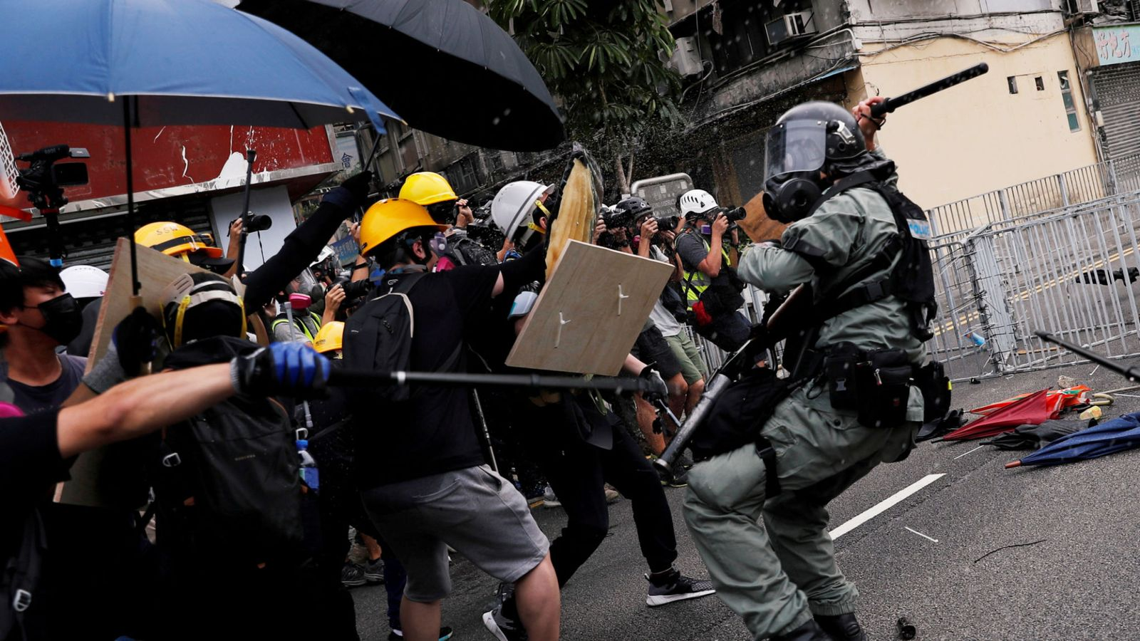 hong-kong-protesters-are-collectively-punishing-the-peaceful-population-–-global-research