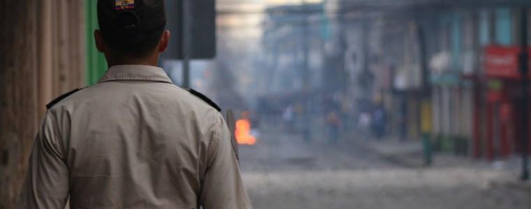 generalstreik-in-ecuador-–-nach-iwf-kreditschock-tobt-der-volksaufstand-und-regierung-fluchtet-von-quito-nach-guayaquil