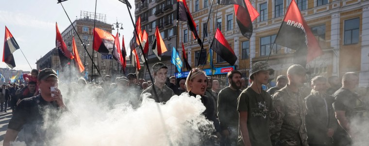 'no-to-capitulation!-death-to-our-enemies!'-nationalists-march-in-kiev-against-roadmap-to-peace-in-ukraine