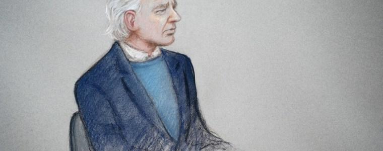 'a-1950s-show-trial':-john-pilger-describes-'disgraceful'-courtroom-treatment-of-julian-assange-by-uk-judge