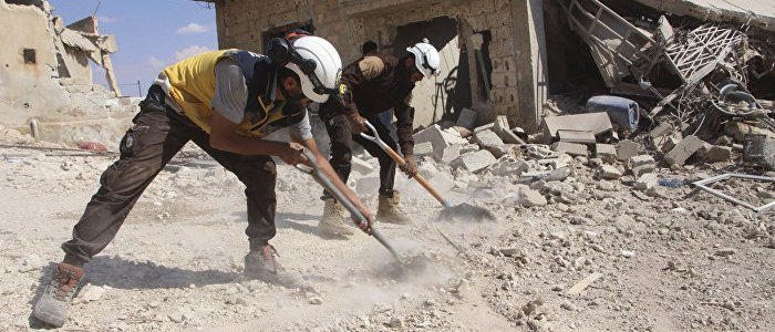 """moskau-warnt:-""""weishelme""""-bereiten-neue-provokationen-mit-c-waffen-in-syrien-vor"""