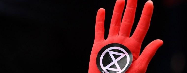 extinction-rebellion-activists-dreigen-een-wereldwijde-hongerstaking-te-organiseren-–-indignatie
