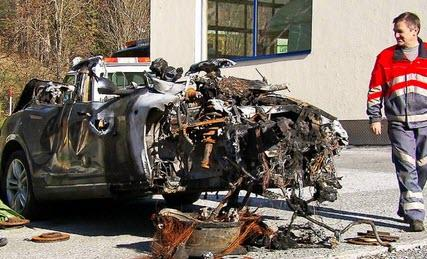 """the-""""green""""-illusion-continues:-tesla-crash-victim-can't-find-anyone-to-recycle-his-wrecked-car"""