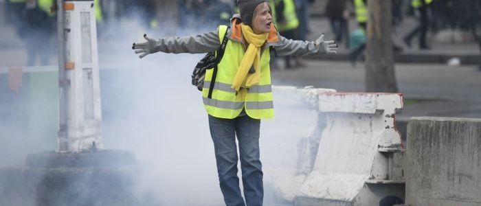 paris:-gelbwesten-bewegung-protestiert-zum-54.-mal