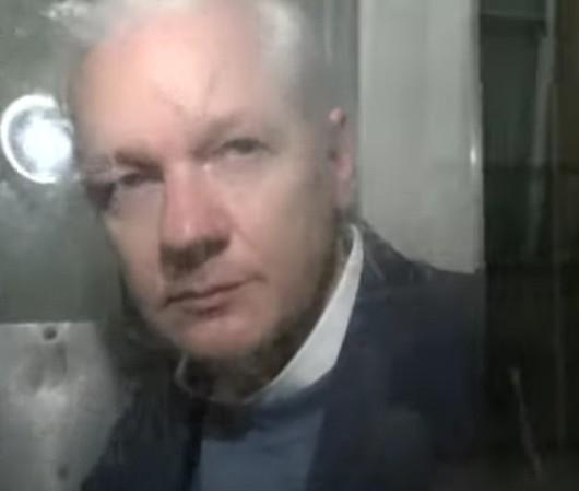 is-dit-het-plan-met-assange?-–-wakker-mens