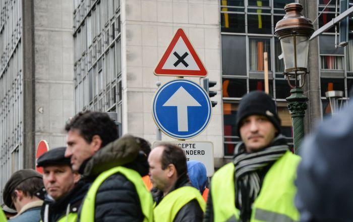proteste-in-brussel:-gelbwesten-marschieren-zur-zentrale-der-eu-kommission