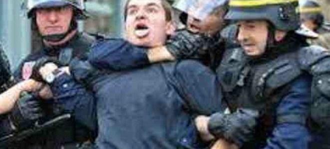 politiegeweld-schokt-fransen- -uitpers