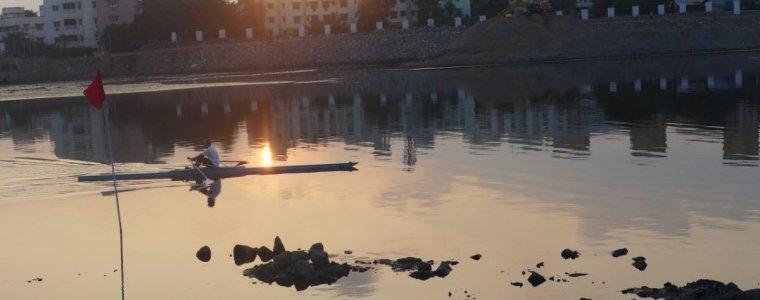 indien:-weiter-rudern-in-der-kloake