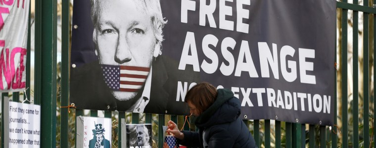 assange-detention-illegal-under-english,-european-and-international-law,-defense-argues