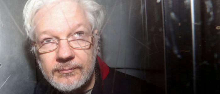 """whistleblower-assange-im-glaskafig:-""""wie-in-wimbledon-auf-der-tribune"""""""