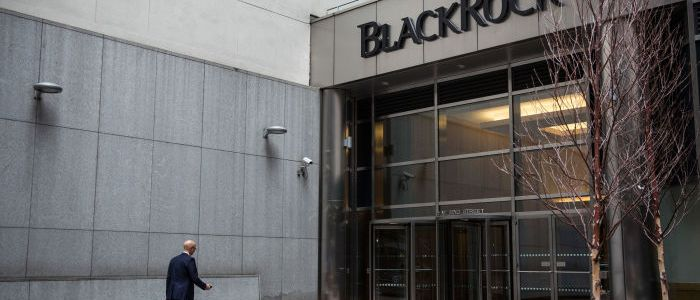 "wie-""blackrock""-an-der-corona-krise-verdient"