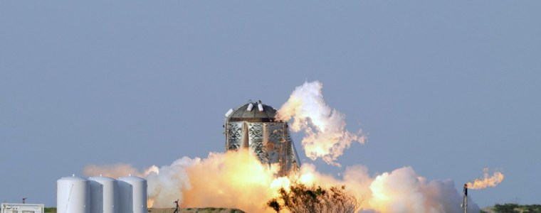 moaning-viral-thread-accuses-elon-musk-of-ruining-texas-neighborhood-with-rocket-tests