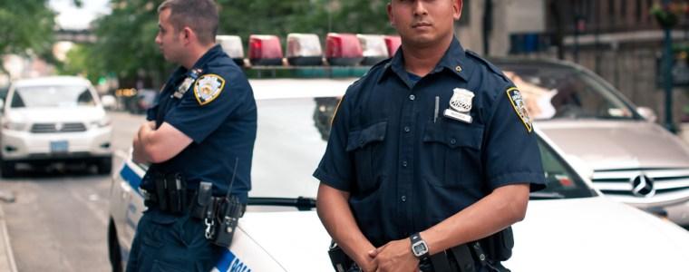 guter-cop,-boser-cop:-die-debatte-um-die-polizei