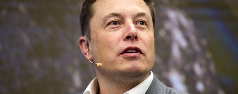 elon-musk:-humans-must-merge-with-machines-or-become-irrelevant-in-ai-age