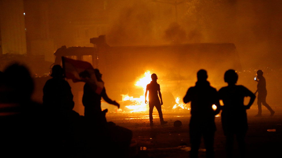 'lebanese-people-have-suffered-too-much':-us-encourages-'peaceful'-regime-change-as-protests-rage-in-blast-ravaged-beirut