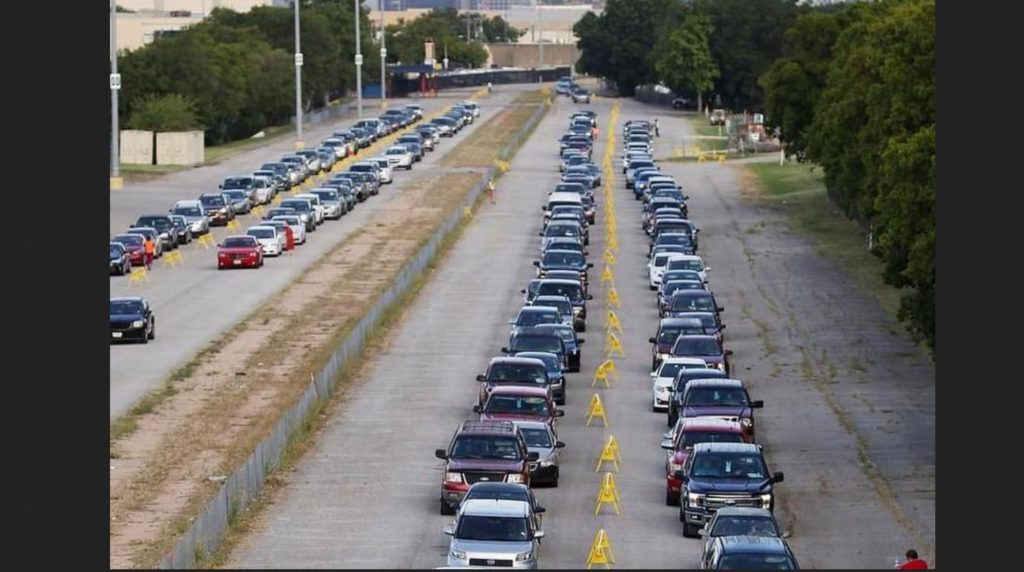 dramatic-photos:-desperate-for-provisions,-thousands-of-cars-line-up-at-texas-food-bank-–-activist-post