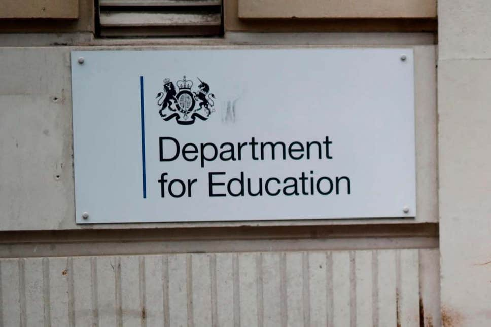 slipping-into-totalitarianism?-uk-government-tries-to-shut-down-socialist-teaching-–-global-research
