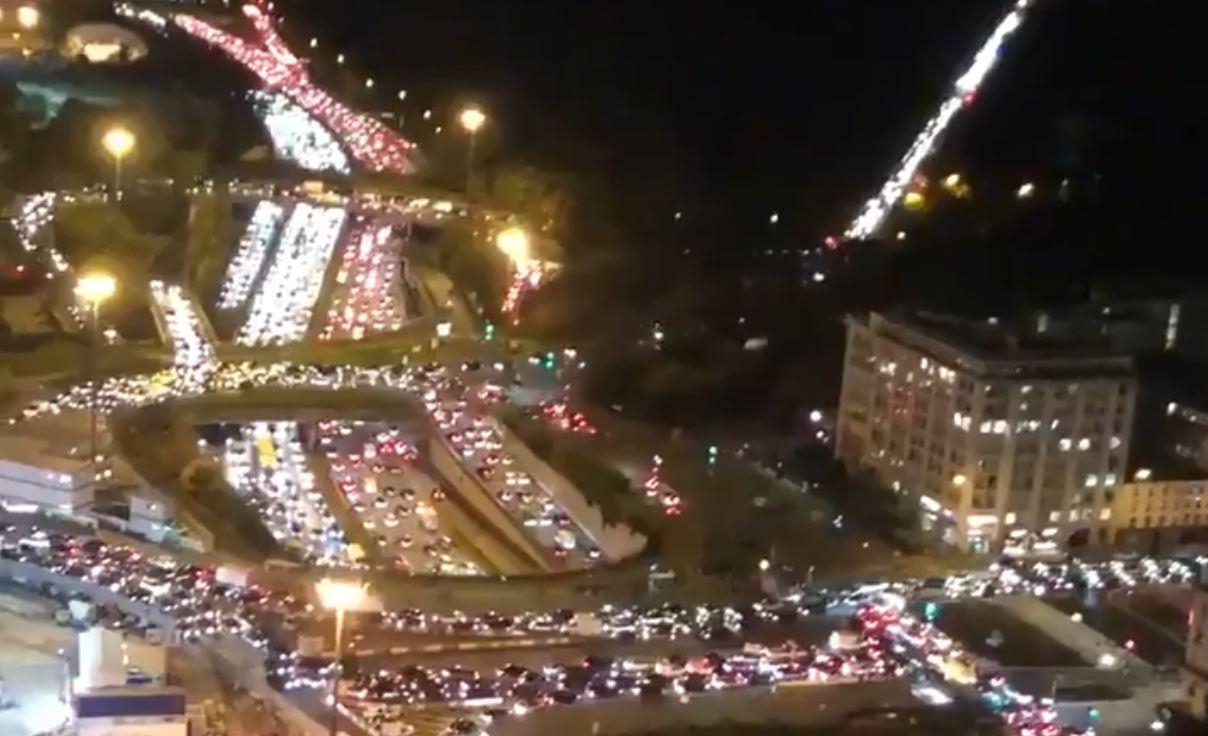 """""""massive-traffic-jams""""-across-paris-as-people-flee-ahead-of-second-covid-lockdown-–-activist-post"""