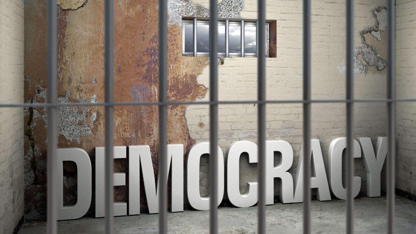 gefahr-fur-die-demokratie