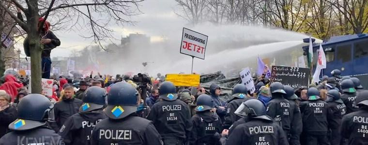 kenfm-am-set:-demo-berlin-18112020-(teil-2,-auflosung-mit-wasserwerfern)-|-kenfm.de