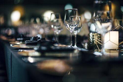 weihnachtswunder-im-landtag-–-restaurant-wird-zur-kantine-–-reitschuster.de