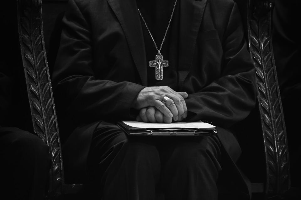 """neun-katholische-bischofe-und-grose-finanziers-sterben-in-einer-einzigen-woche,-was-fur-""""seltsame""""-dinge-doch-in-letzter-zeit-passieren-–-uncut-news.ch"""