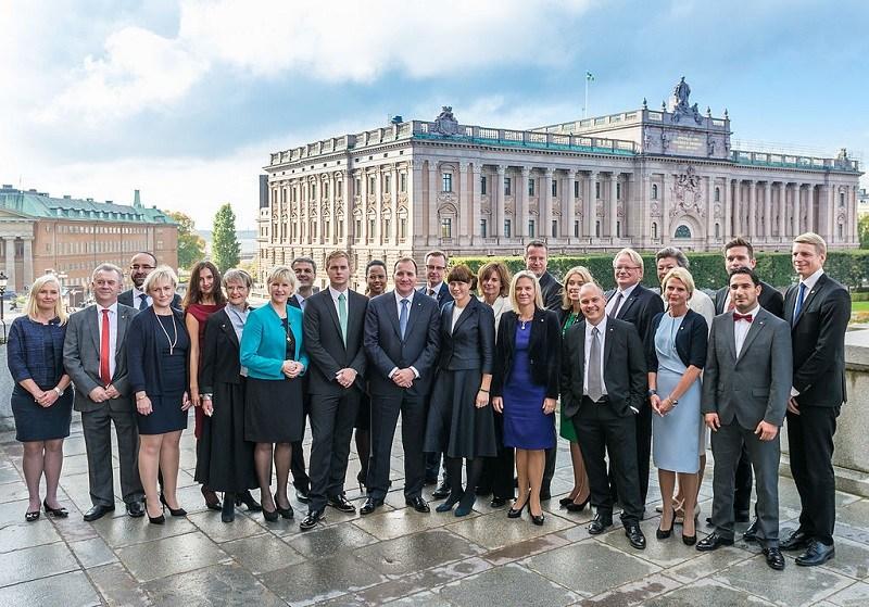 ook-zweden-beperkt-bewegingsvrijheid-voor-vaccinweigeraars-–-coronapas-voor-reizen,-sport-en-restaurantbezoek-–-frontnieuws