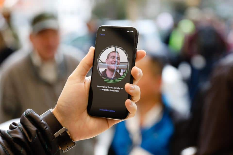 biometric-facial-recognition-hardware-present-in-90%-of-smartphones-by-2024- -biometric-update