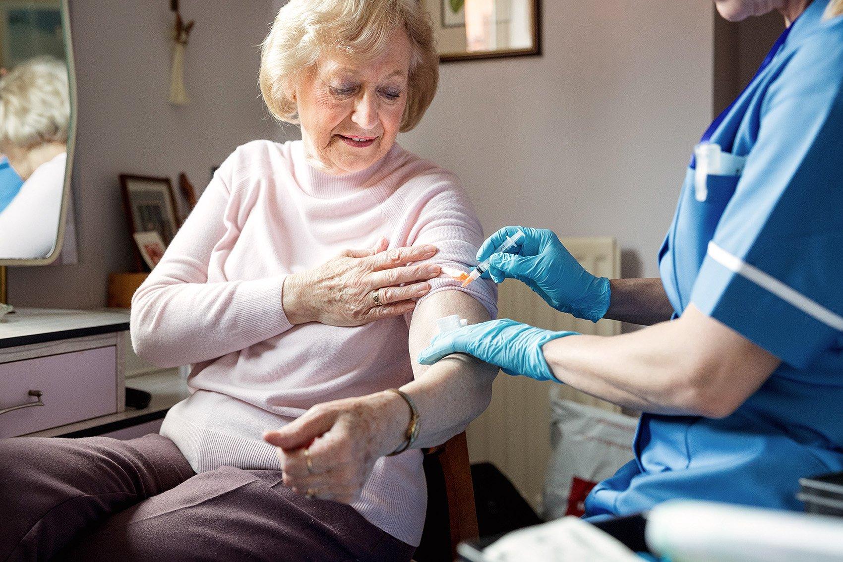 weltweite-zusammenhange-zwischen-covid-todesfallen-und-grippeimpfungsraten-bei-alteren-menschen-gefunden-|-uncut-news.ch