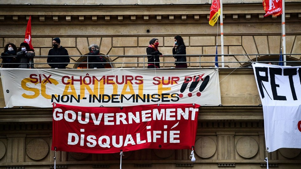 activists-occupy-paris-theater-as-protesters-across-france-demand-cultural-venues-reopen-despite-covid-19-fears-(videos)